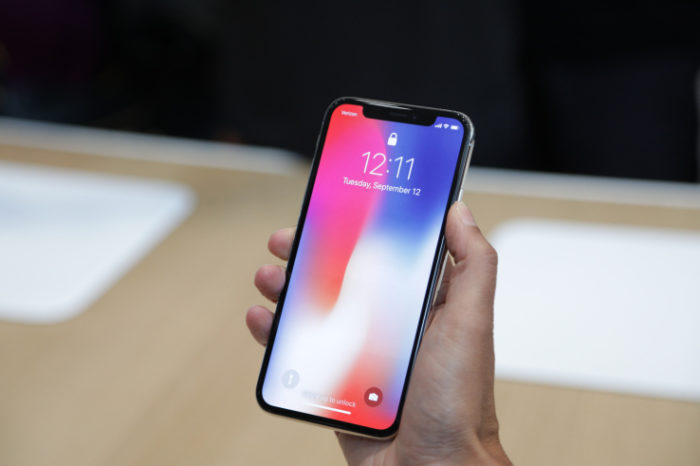 iPhone X sells out within minutes, shipping estimates between 5-6 weeks