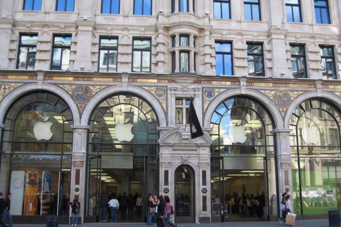 Thieves rob U.K's flagship Apple Store