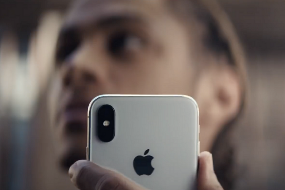 Apple 'Fly Market' iPhone X Ad