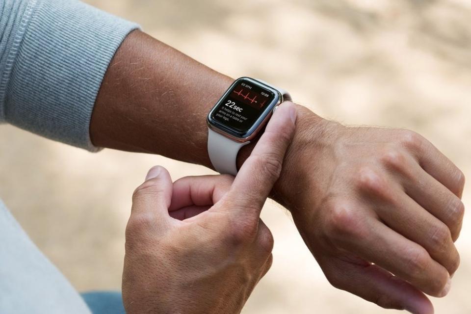 Apple Watch Series 4 - ECG