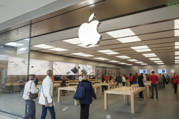 Apple increases police presence at California stores to deter theft