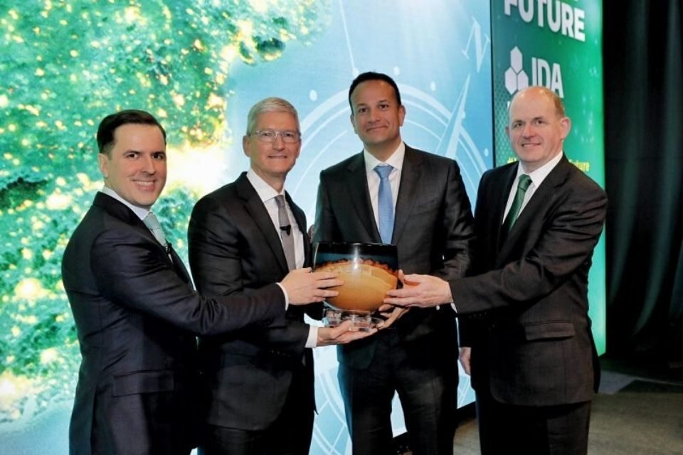 Tim Cook receives 'special investment' award from Irish Prime Minister